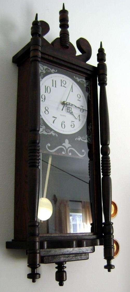 Fotos de relojes de pared con pendulo salta otros for Reloj de pared con pendulo