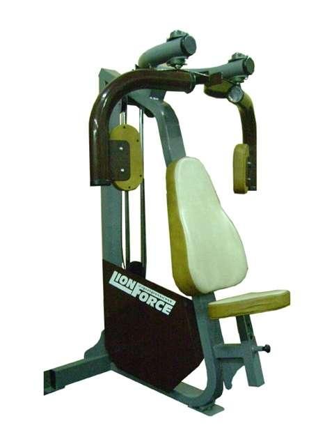 Fotos de maquinas de musculacion buenos aires deportes for Maquinas de musculacion
