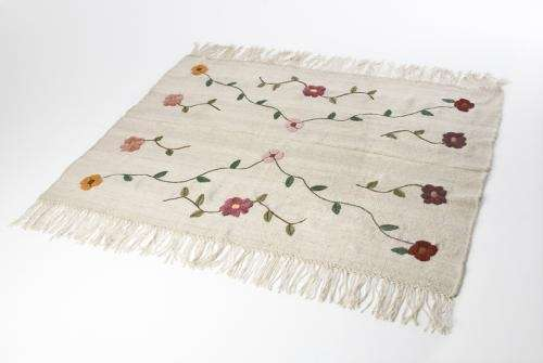 Fotos de alfombras exclusivas hechas a mano capital for Alfombras nudos hechas mano