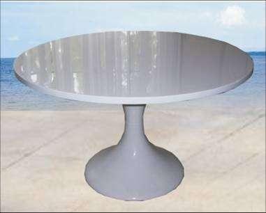 Fotos de mesas en fibra de vidrio elegantes y practicas for Muebles de fibra de vidrio