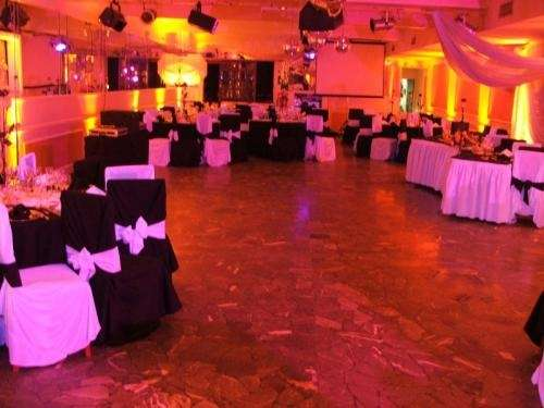 Ver fotos de salones de casamiento imagui for Salones para casamientos