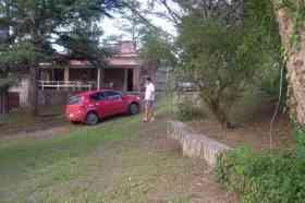 Fotos de CARLOS PAZ. Alquilo casa con hermoso parque con arboleda añeja. Ubicada a metros del rio los Chorrillos y a 5 min del centro