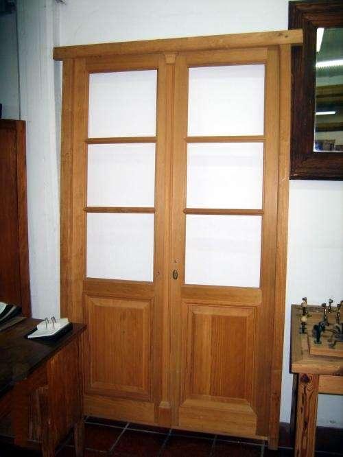 Puertas de entrada de vidrio doble hoja images for Puerta doble madera