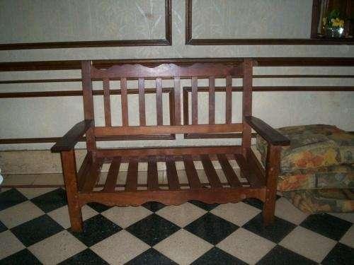 algarrobo, dos cuerpos,120 x 70, con almohadones en Capital Federal