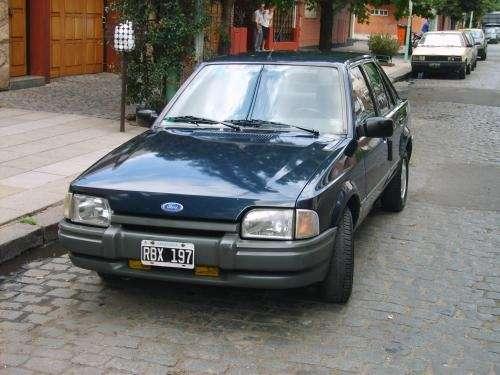 Vendo Ford Escort LX 1.6 azul mod 94