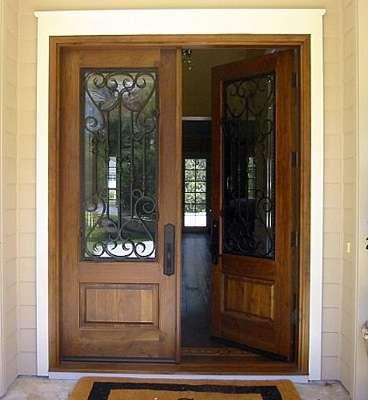 Fotos de puertas y ventanas de madera maciza de dise o for Diseno de puertas de madera antiguas
