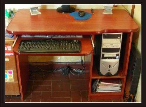 Related pictures arreglos mesa para primera comunion for Mesa para computadora