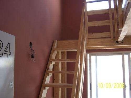 Fotos de entrepiso de madera instalamos altillos - Como hacer una escalera de madera para entrepiso ...
