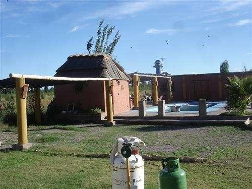 Hermoso chalet + lote + cabaña + piscina
