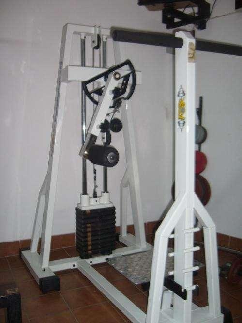 Fotos de gimnasio vende conjunto de maquinas de for Maquinas de musculacion