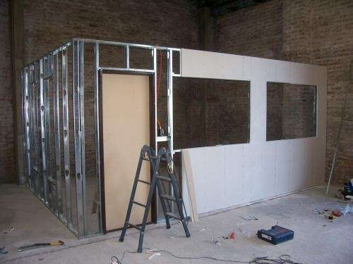 Fotos de durlock colocacion construccion en seco for Puertas correderas que se esconden