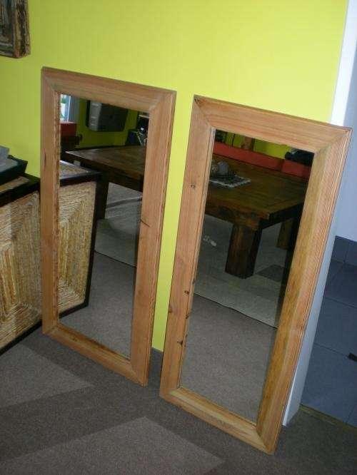 Fotos de espejos con marco de madera antigua reciclada for Espejos decorativos marco de madera