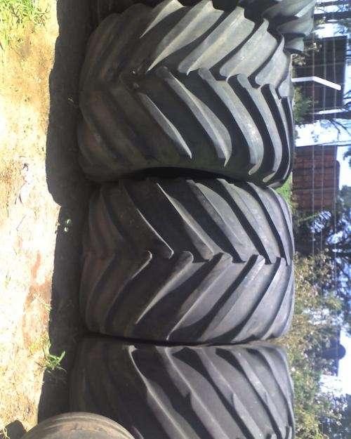 Cubiertas usadas de tractor y cosechadora y maquinaria agricola