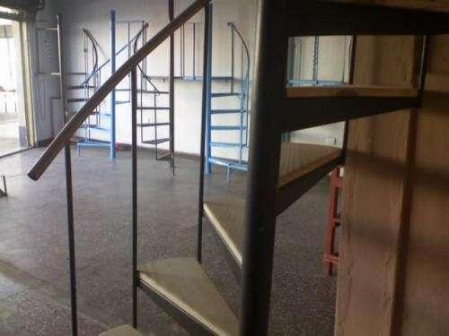 Escalera caracol usada good escaleras compensadas with - Escalera caracol usada ...