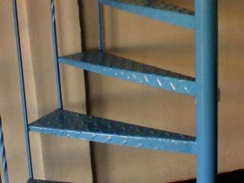 Como hacer una escalera de caracol escalera de caracol for Como trazar una escalera de metal