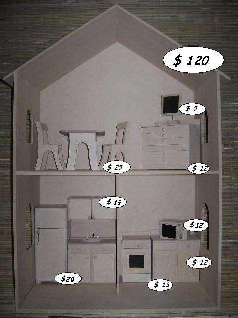 Casas y muebles para barbies, fuertes, baules, granjas