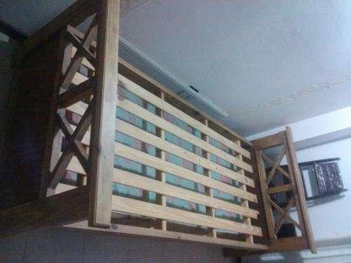 Vendo divan cama rustico en Neuquen, Argentina  Muebles