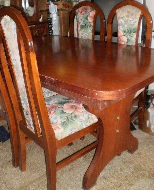 Juego de comedor mesa de vidrio extensible for Ripley muebles de comedor