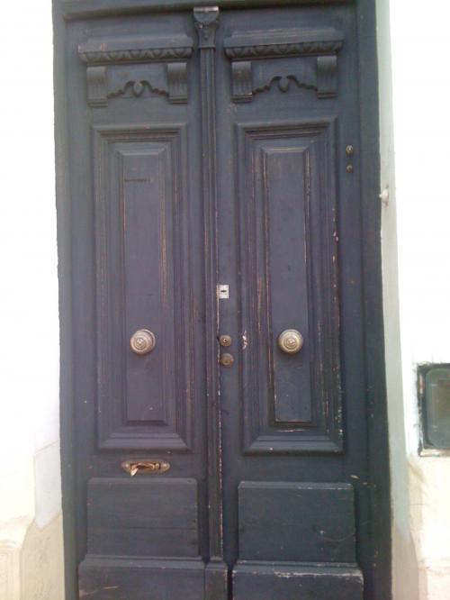 Puertas y ventanas antiguas finest cortina crochet for Puertas de madera antiguas en cordoba