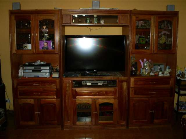 Muebles para tv led de algarrobo for Muebles modulares para television