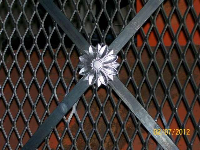 Fotos de escaleras escalera de metal tattoo design bild for Escaleras de metal