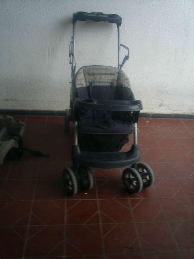 Fotos de Vendo cochesito muy comodo  para bebe y hermano 3