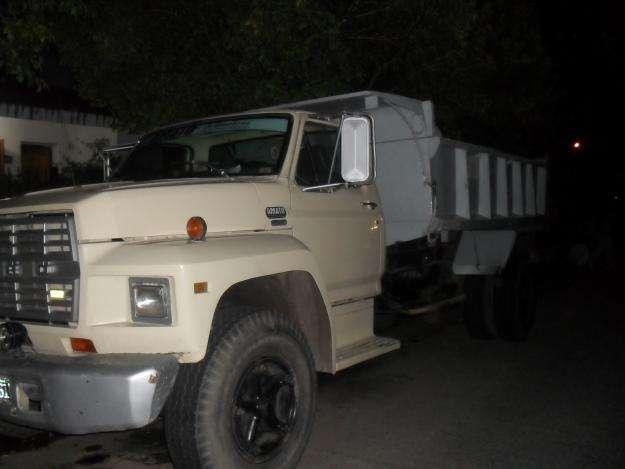 Camion comprar camiones volcadores en cordoba for Camiones ford interior