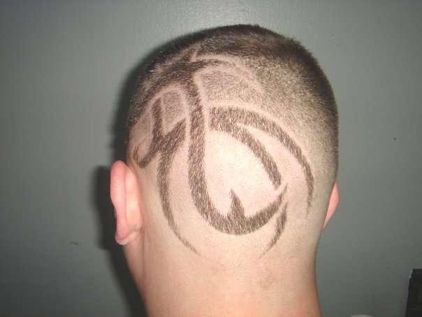 Corte de pelo con dibujos a 50 pesos en once - Balvanera ...