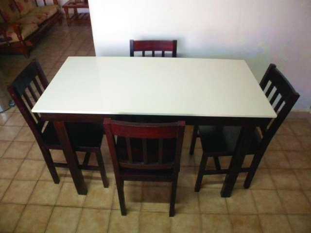 living mesa + 4 sillas de regalo en Neuquén, Argentina  Muebles