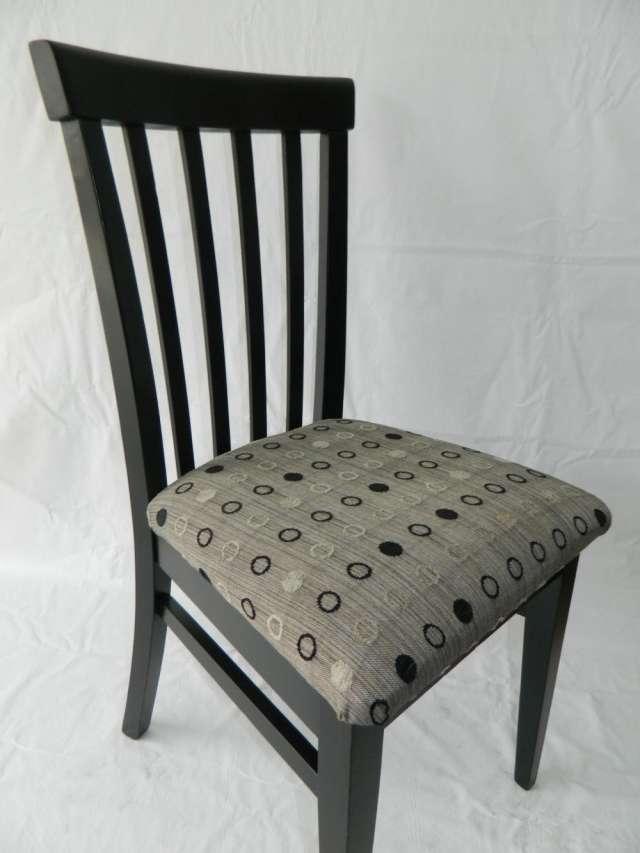 Silla madera tapizada precio - Mesas y sillas de madera ...