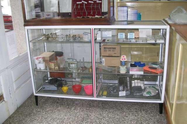 Vendo muebles de local comercial  urgente!! en Bahía Blanca