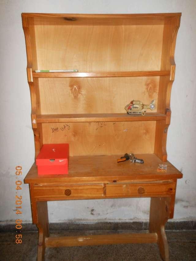 Biblioteca con escritorio de pino y 2 cajones en Mar del Plata