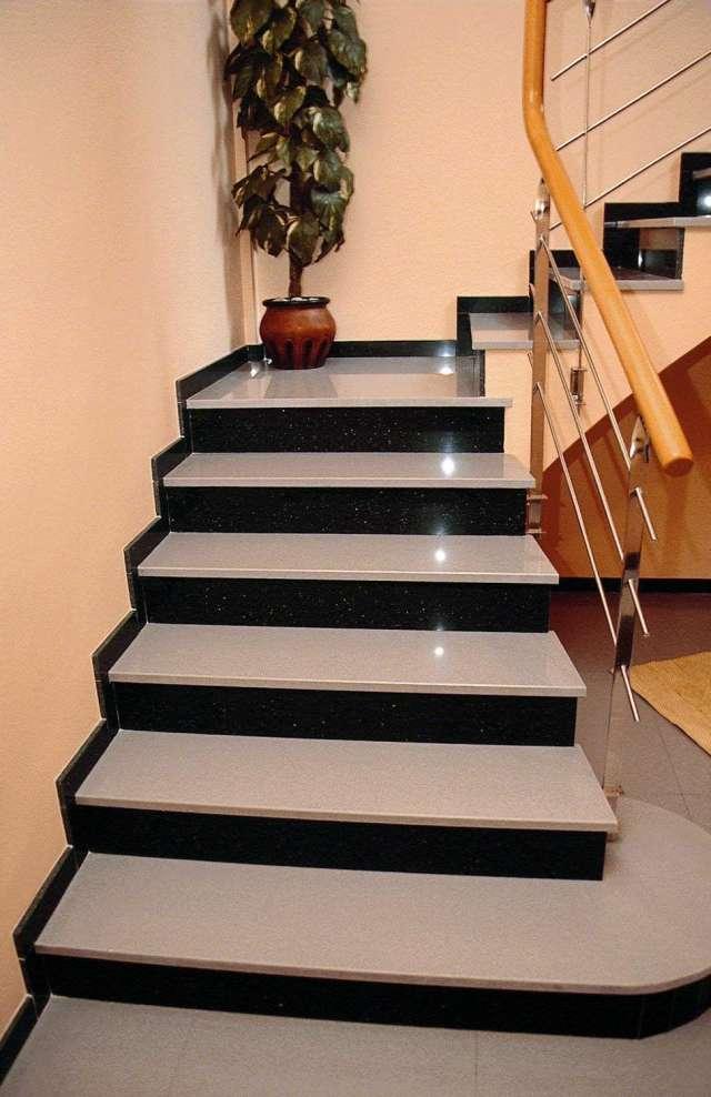Baldosas para escaleras free palets con huellas para for Escaleras de marmol y granito