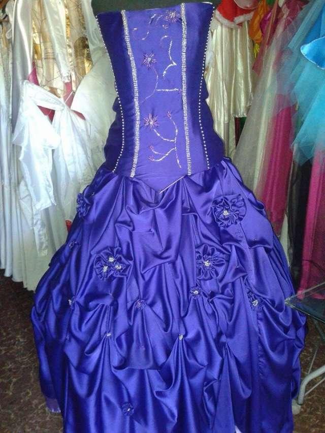 a005f8e5f alquiler de vestidos de egresadas en cordoba