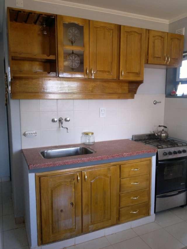 Muebles cocina alacena y bajo mesada ideas for Muebles de cocina argentina