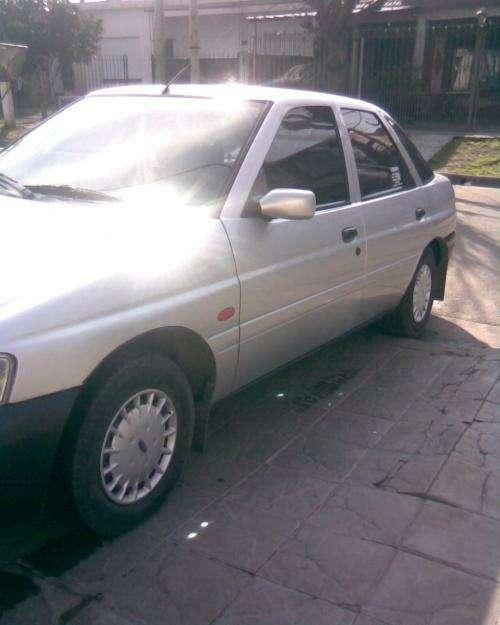 Vendo ford escort modelo 2000