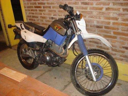 Vendo motocicleta yamaha xt 600