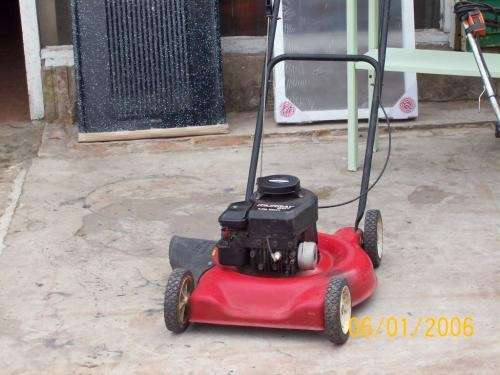 Maquina cortar pasto naftera de 3,5hp