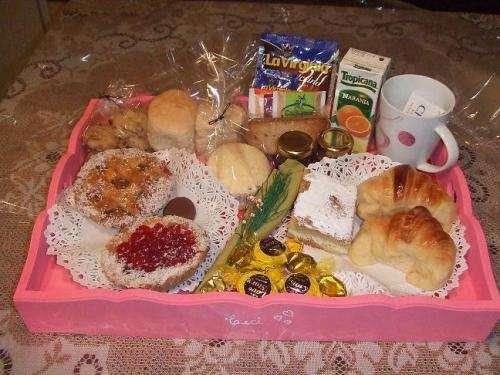 19 de octubre dia de la madre...regale un desayuno espececial. envios a zona norte