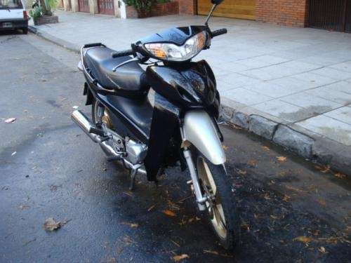 Vendo moto guerrero future c70