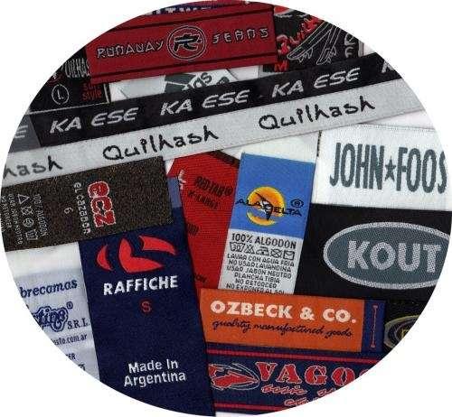 Etiquetas bordadas