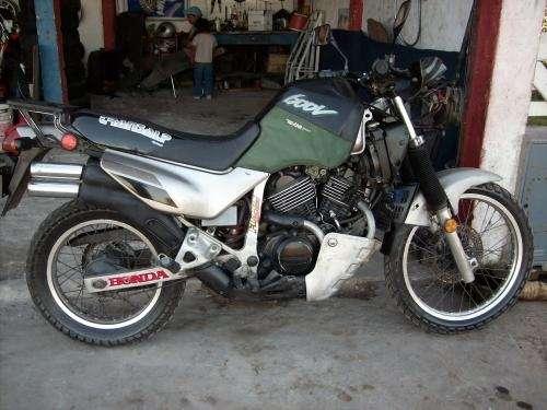 Fotos de Vendo moto honda  xr 600 modelo 94 3