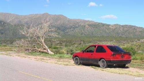 Vendo o permuto:ford escort coupe