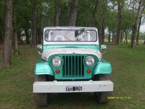 Vendo jeep ika ecxelente estado oportunidad