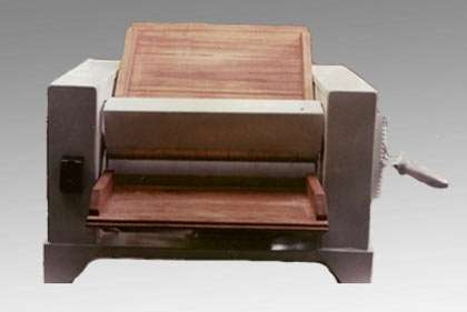 Sobadora de 450 mm de mesa