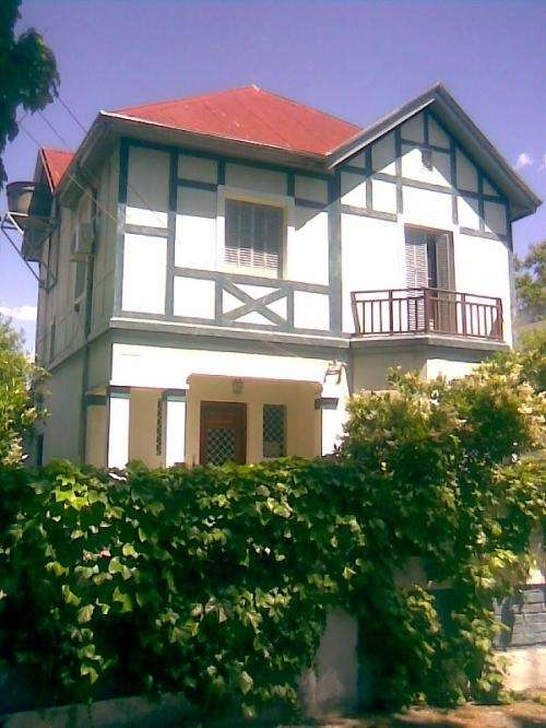 Casa 3dorm. a 3 cuadras del rio rosario alberdi