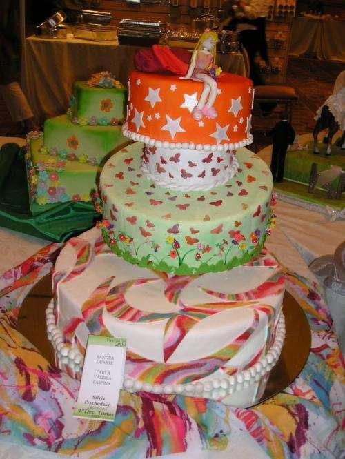 Tortas y minitortas artesanalmente decoradas