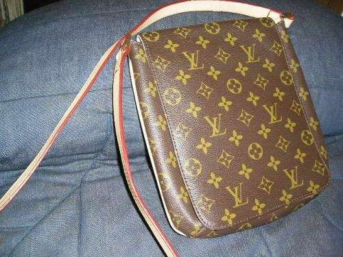 6ea652c51 Vendo replicas de carteras y accesorios louis vuitton, d&g y otras en  Capital Federal
