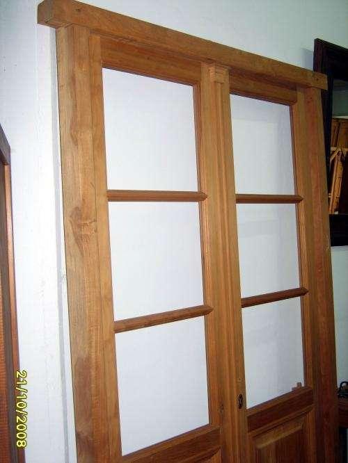 Puerta doble hoja de interior vidrio repartido a medida en Castelar ...