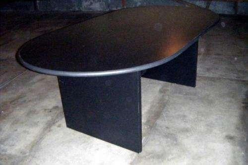 Vendo mesa de madera para oficina/comedor 2,10 x 1.10mts.